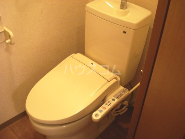 キャトルレーヴ 206号室のトイレ