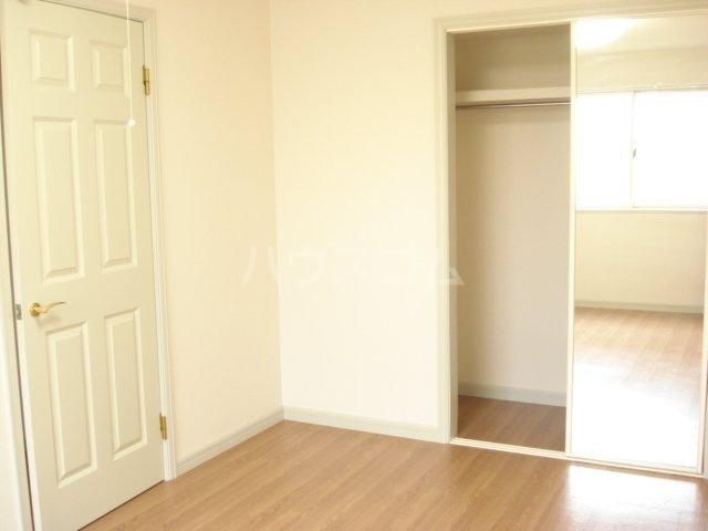 メゾン・アウル 201号室のベッドルーム