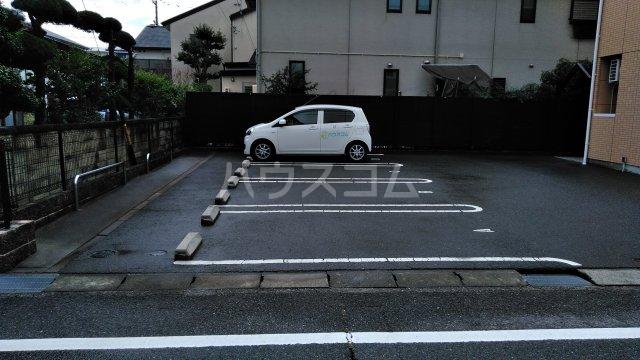 O-ZONE 知多 202号室の駐車場
