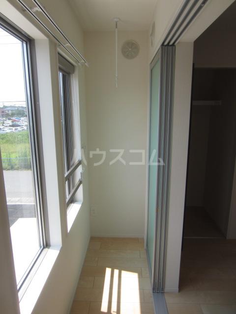 ラウレア OZ 202号室のバルコニー