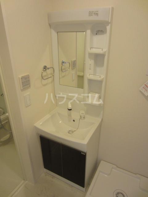 ラウレア OZ 202号室の洗面所