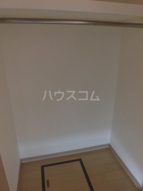 コンフォリア目黒八雲 0207号室の収納