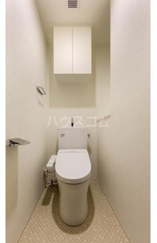 ラティエラ都立大学 304号室のトイレ