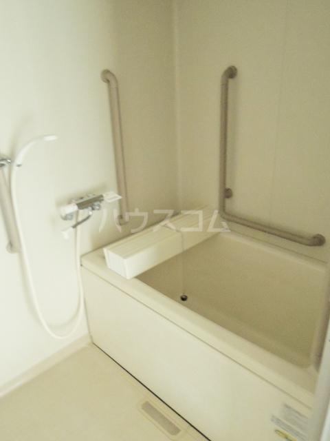 シルクフォルム 215号室の風呂
