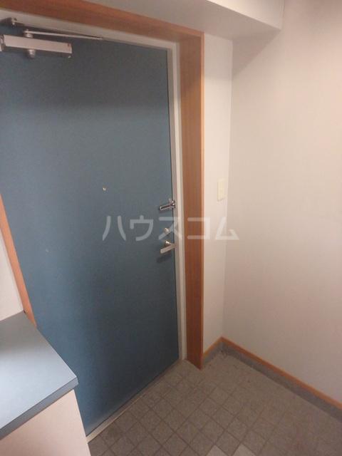 メゾン・ドゥ・フォレ 505号室の玄関