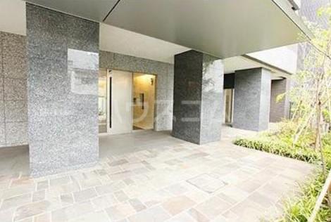 パークアクシス渋谷桜丘ウエスト 601号室の玄関