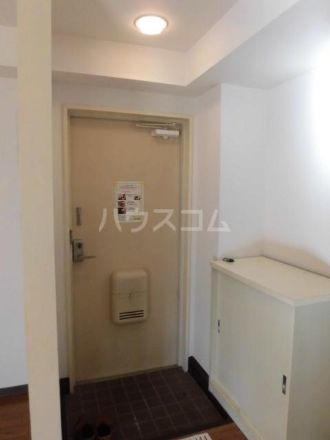 メゾン佳鳳楼 201号室の玄関