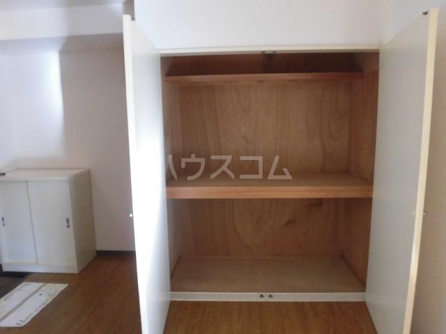 メゾン佳鳳楼 201号室の収納