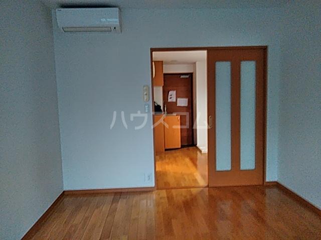 Alta Todoroki 202号室の居室