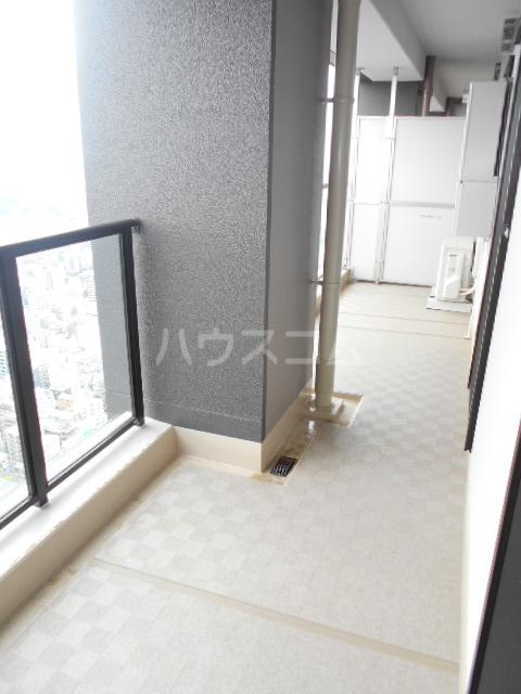 パークシティ武蔵小杉 ザガーデンタワーズ 4909号室のバルコニー