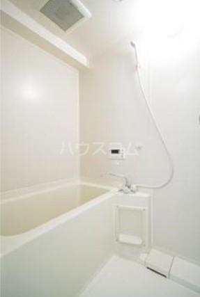 第2ヒラソル上野毛 201号室の風呂