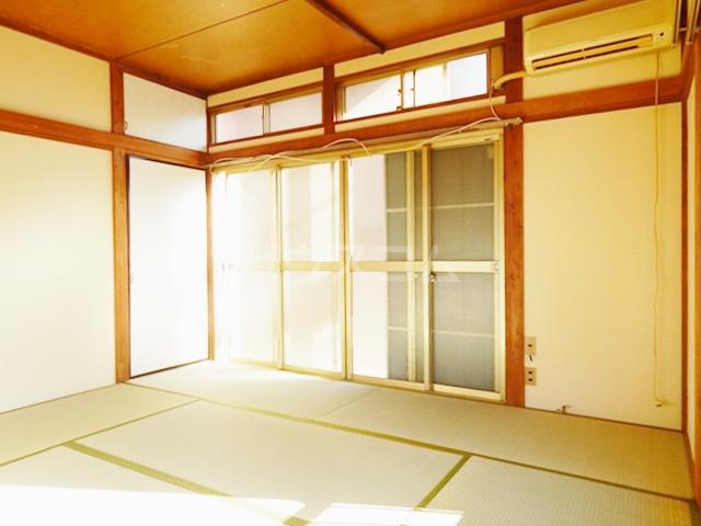 サンライズ 201号室の居室