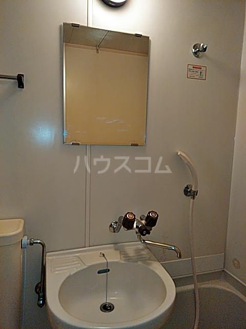 コーポマリーナ上野毛 101号室の洗面所