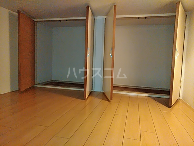コーポマリーナ上野毛 101号室の収納