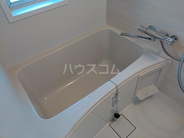 ウイン自由が丘 402号室の風呂