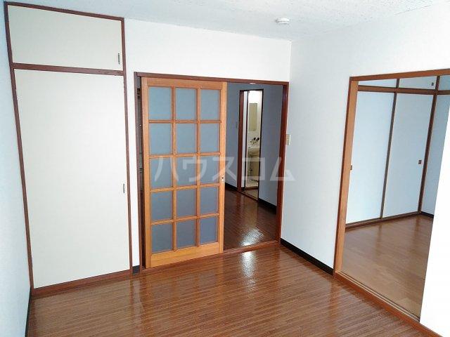 エルディムエンドウ 01030号室の居室