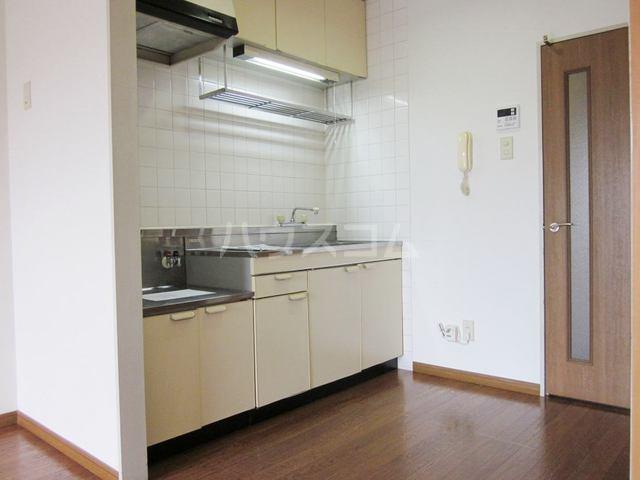 ファミリーステイツ3 03030号室のキッチン