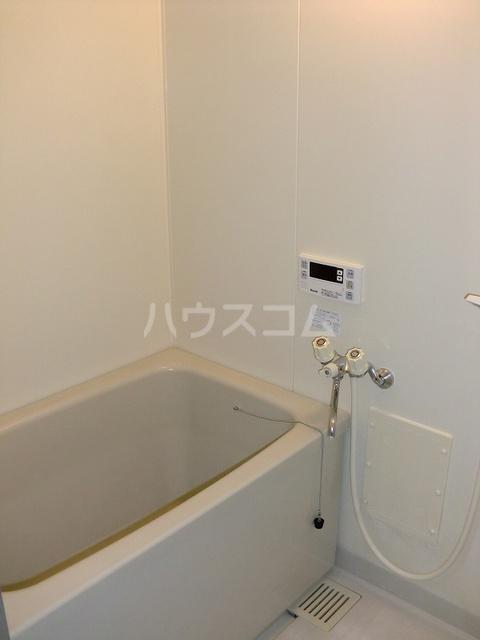 ファミリーステイツ3 03030号室の風呂