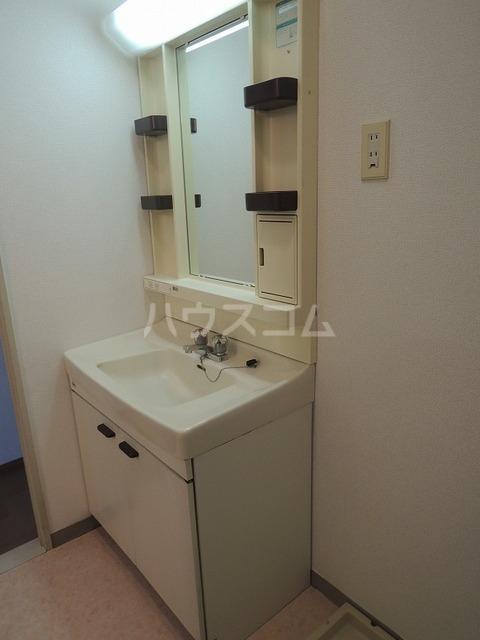 ファミリーステイツ3 03030号室の洗面所