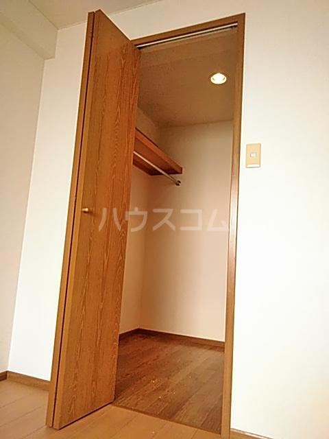 グランドゥールH 03030号室の収納