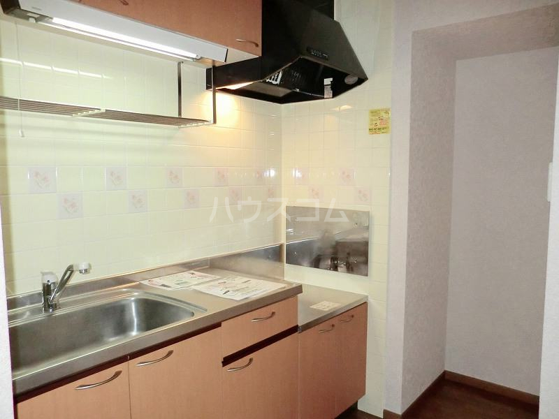 OAK ROYAL2番館 03030号室のキッチン