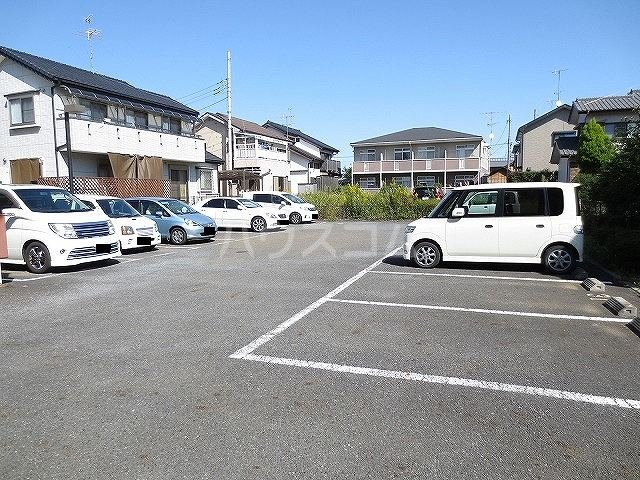 OAK ROYAL2番館 03030号室の駐車場