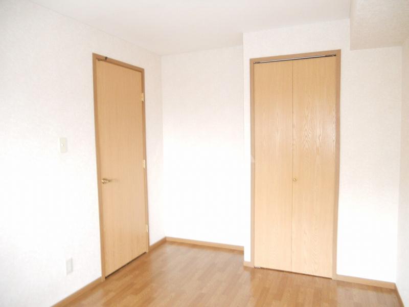OAK ROYAL2番館 03030号室の収納