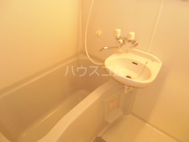 グレイスシャトル 04010号室の風呂
