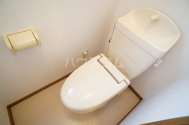 ステラキッズB 01030号室のトイレ