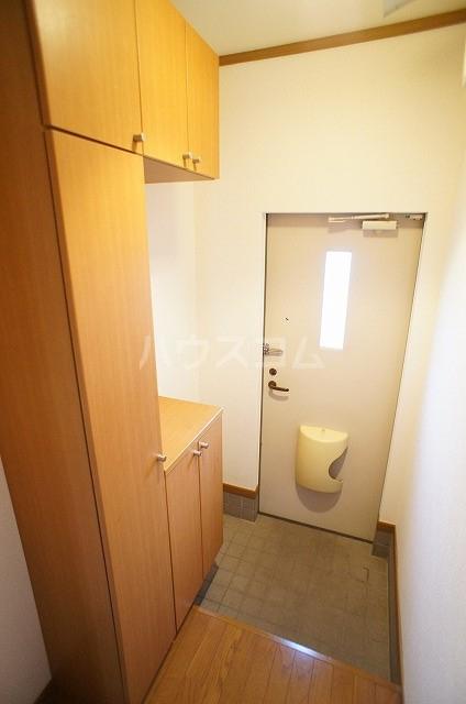 ステラキッズB 01030号室の玄関