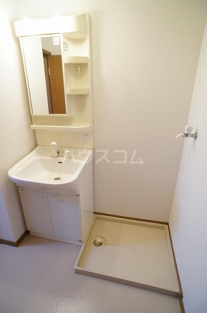 ステラキッズB 01030号室の洗面所