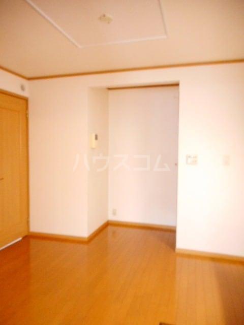 カレント 01020号室の居室