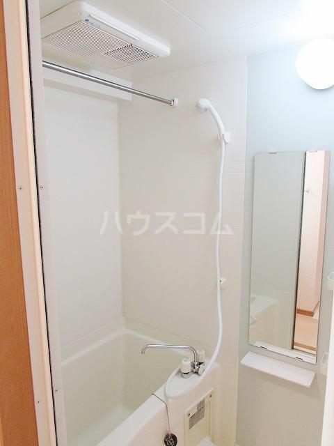 ハイネタウン箱崎 07010号室の風呂