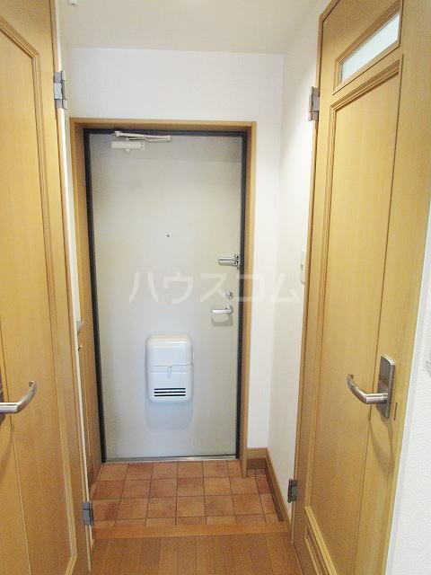 ハイネタウン箱崎 07010号室の玄関