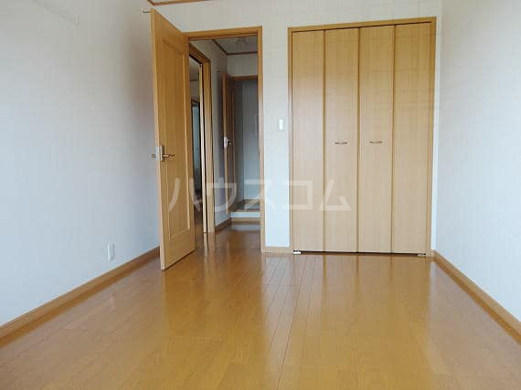 アザレアⅡ 02040号室の居室