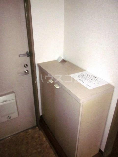 セカンドコアラ 02010号室の玄関