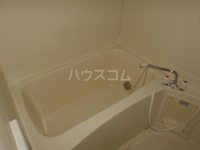 ジェルメ 01020号室の風呂