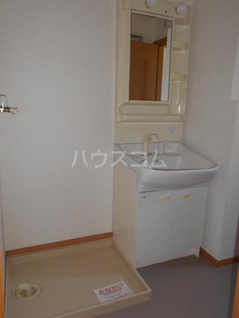 ジェルメ 01020号室の洗面所