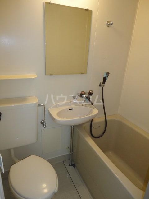 コ-ポユリ 01010号室の洗面所