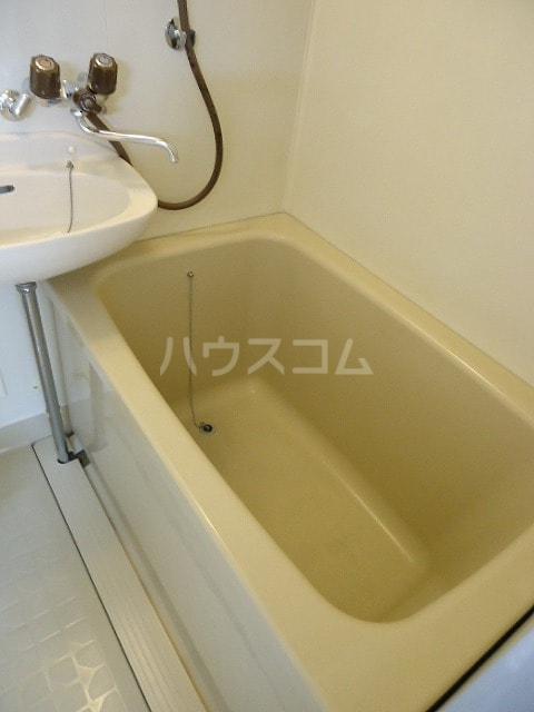 コ-ポユリ 01010号室の風呂