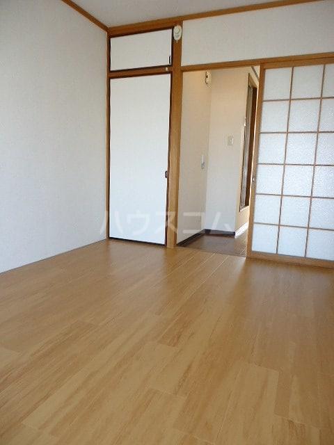 コ-ポユリ 01010号室のベッドルーム