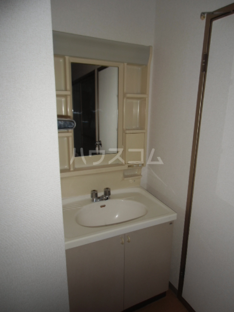 エルハイム 02020号室の洗面所