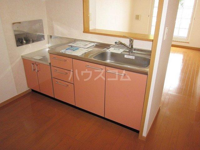 メゾン コリーヌ 02030号室のキッチン