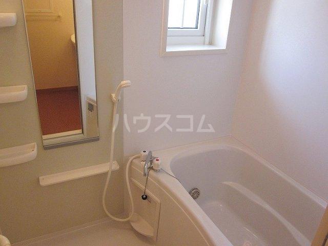 メゾン コリーヌ 02030号室の風呂