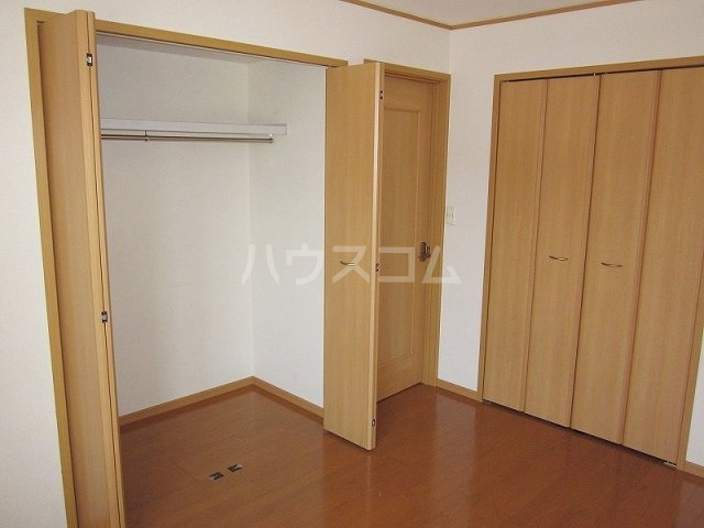 メゾン コリーヌ 02030号室の収納