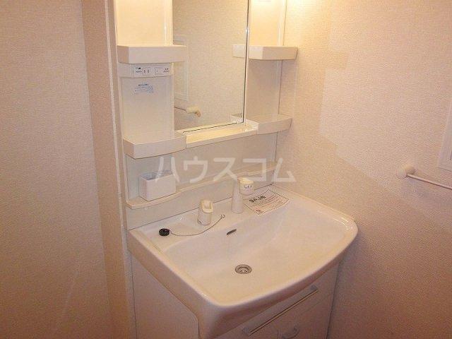メゾン コリーヌ 02030号室の洗面所