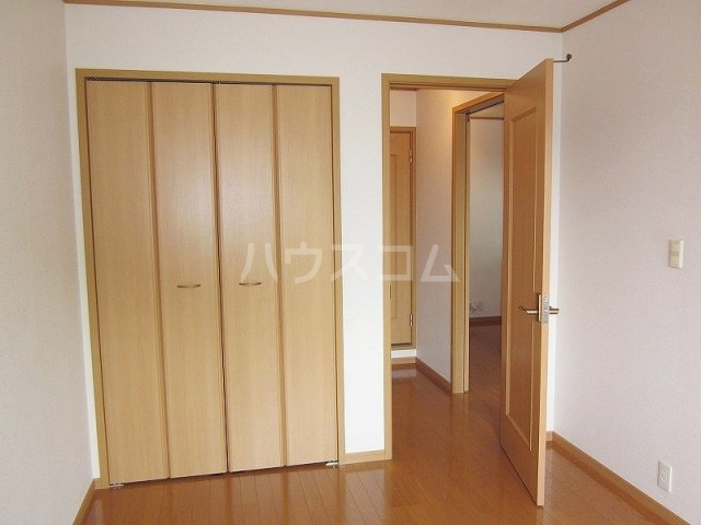 メゾン コリーヌ 02030号室の居室
