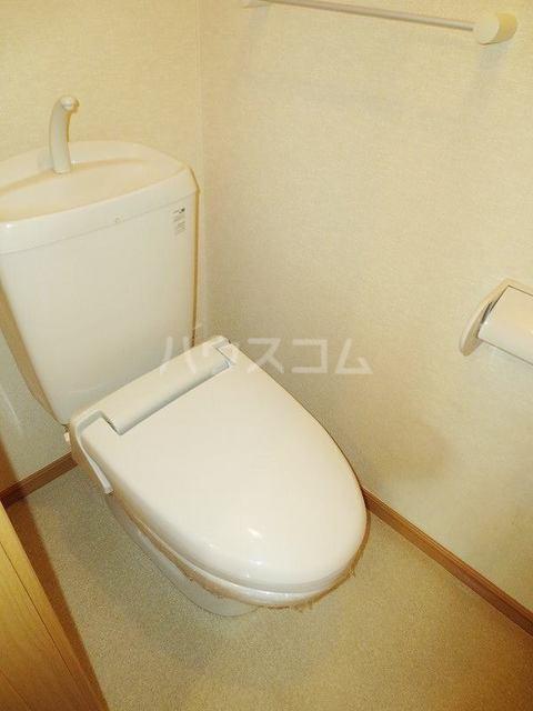 メゾン コリーヌ 02030号室のトイレ