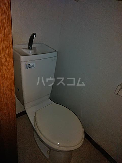 カーサシャルマン 02020号室のトイレ