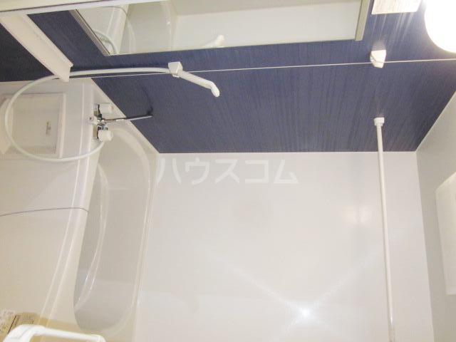ラヴェンデル ツヴァイ 01030号室の風呂